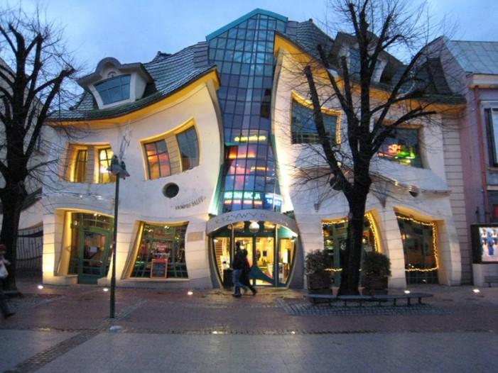 Topul celor mai ciudate clădiri din lume (Galerie foto)