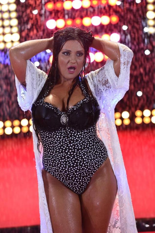 Bianca Rus a pozat în costum de baie (Foto)