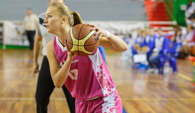 Sătmăreanca Claudia Pop și-a prelungit contractul cu echipa spaniolă Gernika Bizkaia