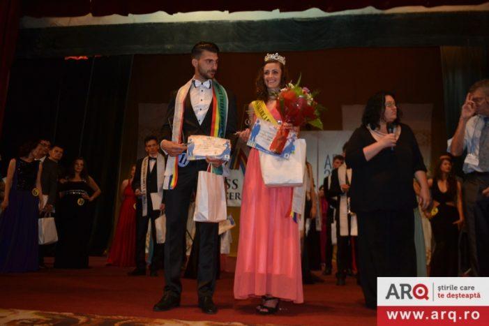 """Sătmăreanca Dora Tunde Peleschei a câștigat titlul de """"Miss Tăcerea"""" 2015 (Foto)"""