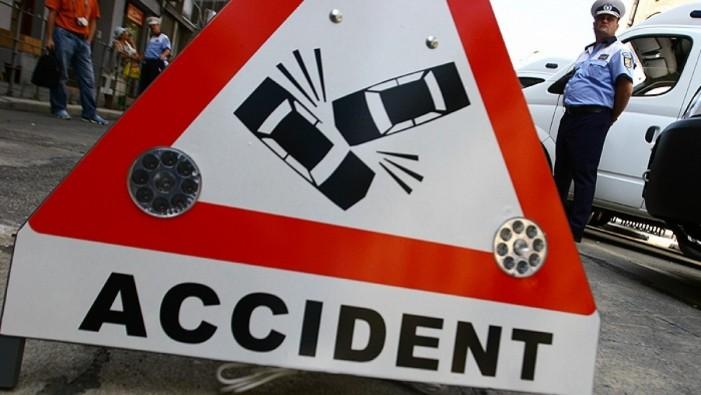 Accident cu trei mașini avariate în Piața Libertății din Satu Mare