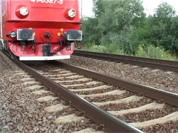 O femeie s-a aruncat sub tren după o ceartă cu soțul