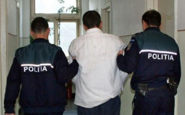 Ţepar cu identitate falsă, arestat de poliţişti