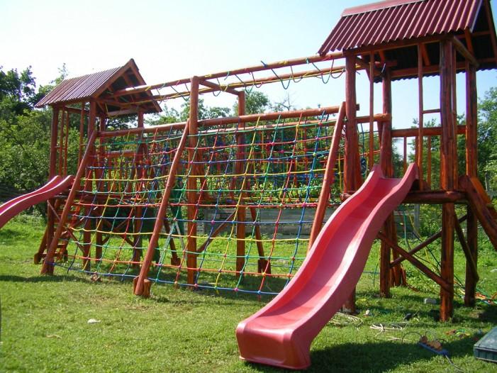 Tineri din Germania vor construi un teren de joacă la Turulung