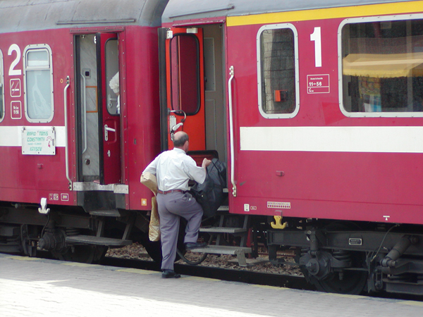 CFR a anunțat trenurile sezoniere către Litoral. Satu Mare – Mangalia, 20 de ore !