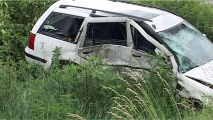 O șoferiță beată, a intrat cu mașina în șanț