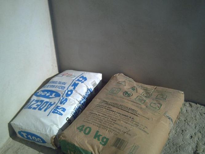 A furat saci de ciment de la o biserică