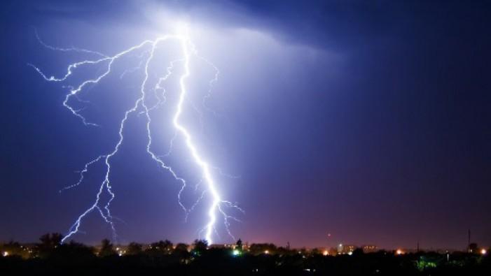 Cod galben de furtuni și grindină în județul Satu Mare