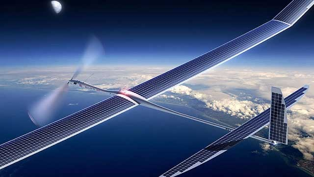 Facebook a construit o dronă pentru a conecta la internet regiuni izolate de pe glob