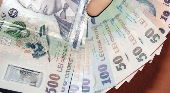 Tânăr reținut după ce a furat banii unui bătrân din Carei