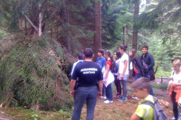 Copii din Satu Mare, instruiți de jandarmii montani din Maramureș