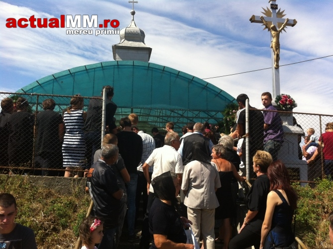 Patru din cei șase tineri morți în accidentul din Ardud, au fost înmormântați (Foto)