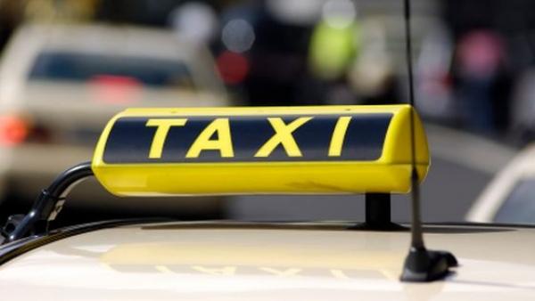 Pensionar accidentat de un taximetrist