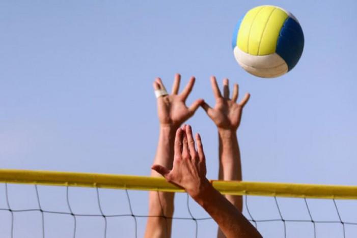 """""""Trofeul Sătmarului"""" la beach-volley"""