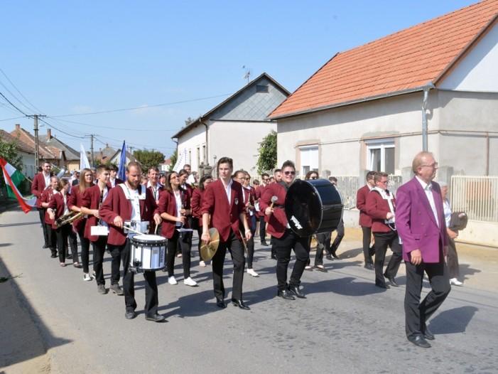 """O delegație din Ardud a participat la Festivalul """"Sătmărenii fără frontieră"""" din Ungaria (Foto)"""