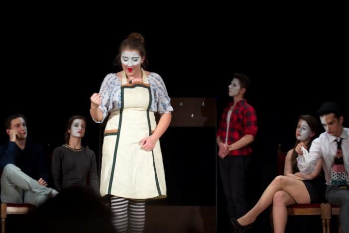"""Trupa de teatru """"M.E.E.M."""" din Carei, la """"Histrioniada Liceenilor"""""""