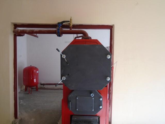 Internatul liceului din Livada are o nouă centrală termică