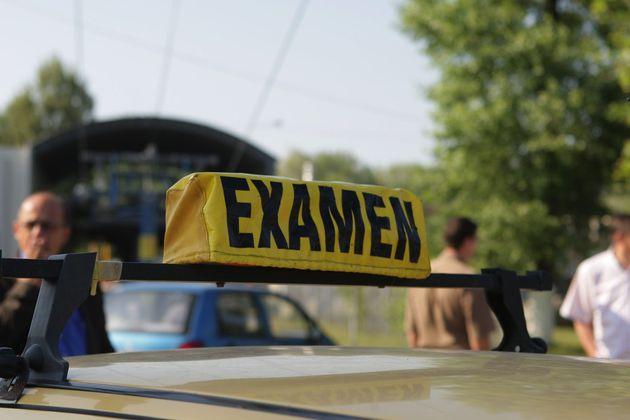 O călugăriță a dat de 11 ori examen pentru permisul auto