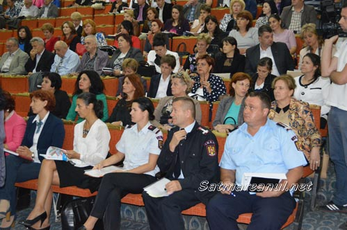 Directorii de școli, băgați în ședință de prefect