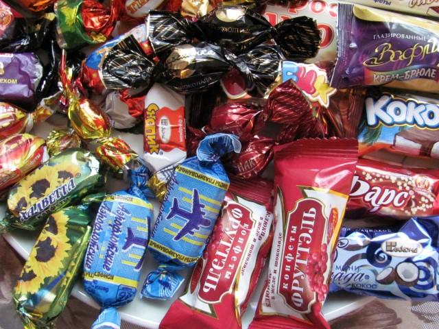Doi copii au furat un sac de dulciuri. Prejudiciul este de 5.500 lei