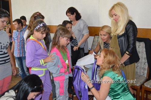 ALDE Satu Mare a dăruit 200 de ghiozdane pentru elevii din județ (Foto)