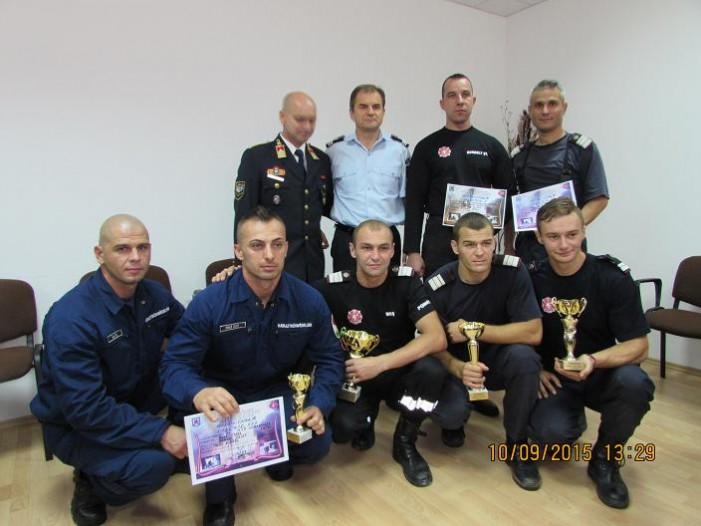 Pompierii Olimpiu Moș și Marian Demian, cei mai buni la urcat scări