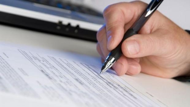 Senatul: Un contract de credit nu mai constituie titlu executoriu