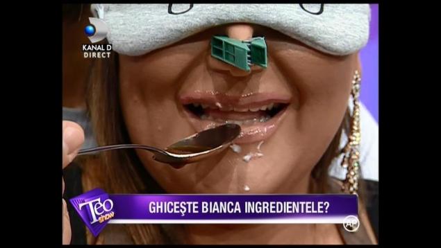 """Vezi ce a pățit Bianca Rus în emisiunea """"Teo Show"""""""
