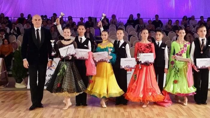 """Patru medalii pentru """"Royal Dance Club"""" la concursurile de la Timișoara"""