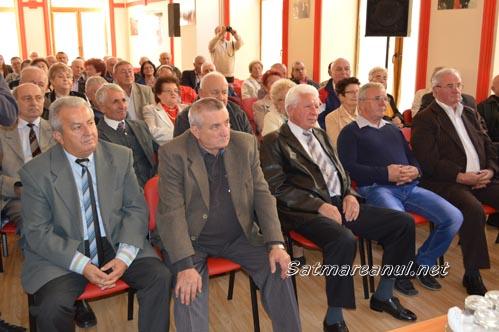 Seniorii social-democrați, sărbătoriți la sediul PSD Satu Mare