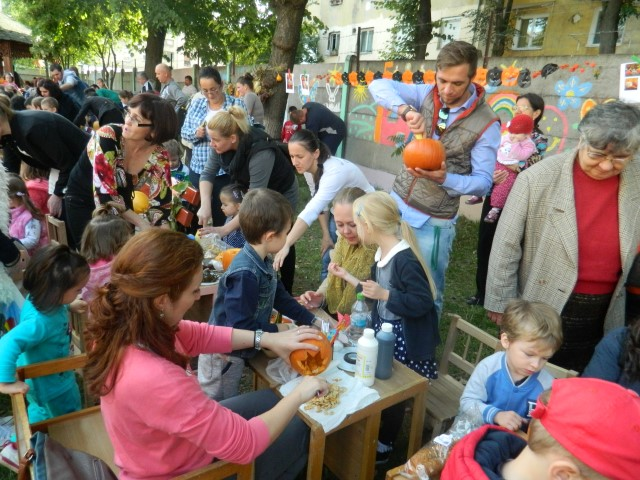 """""""Festivalul dovleacului"""", la GPP nr. 9 din Satu Mare (Foto)"""