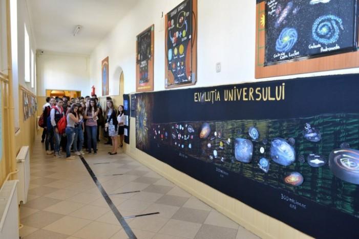 """Elevi și profesori de la Colegiul """"Mihai Eminescu"""", participă la proiectul Word Space Week"""