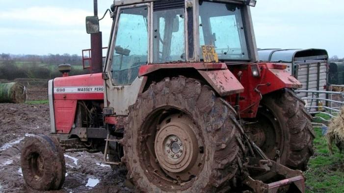 A furat acumulatorul unui tractor