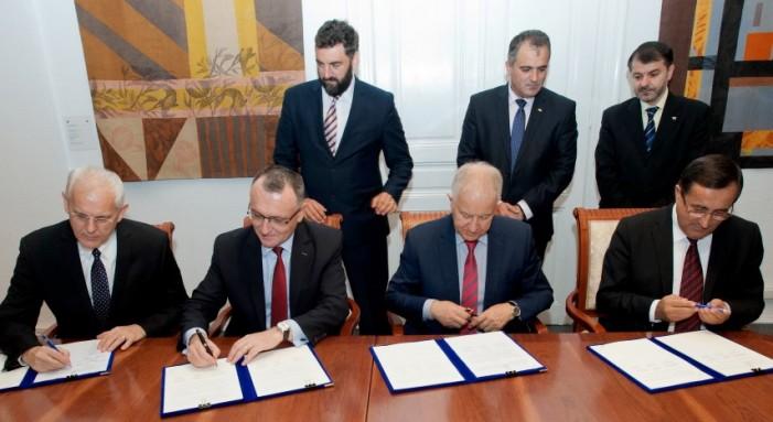 Protocol de colaborare între Ministerul Educaţiei şi cultele Penticostal şi Baptist din România