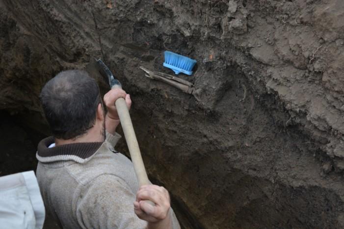 Mormânt medieval descoperit în localitatea Căpleni (Galerie foto)