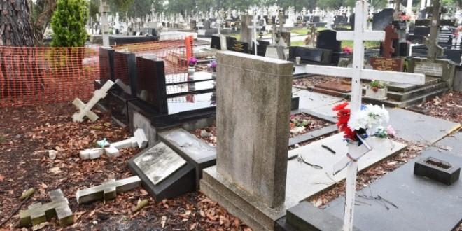 Nici morții nu mai au liniște: Trei copii au distrus zece morminte în Unimăt