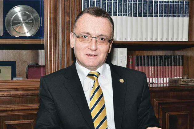 Sorin Cîmpeanu, desemnat premier interimar de Iohannis