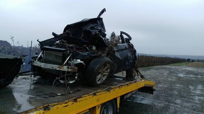 Accident cu patru răniţi pe drumul spre Viile Satu Mare. Fiul deputatului Ovidiu Silaghi se afla în maşină (foto)