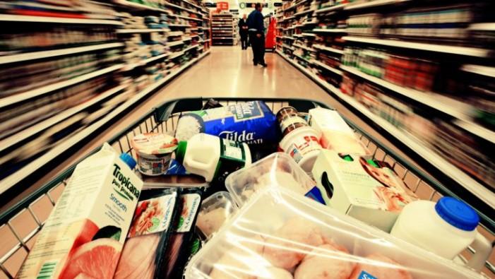 Senatul obligă supermarket-urile să doneze alimentele aflate aproape de data expirării