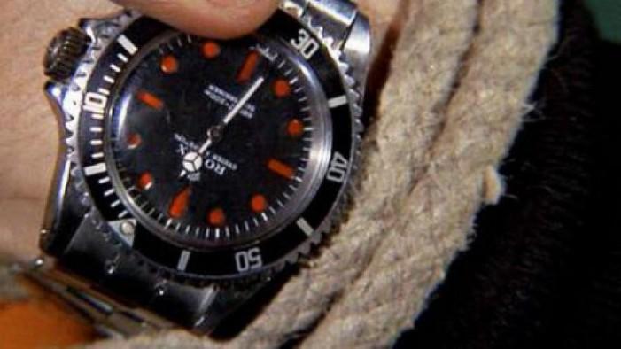 Ceasul lui James Bond, vândut cu 335.000 euro