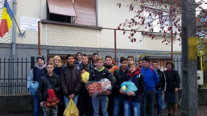 """Săptămâna legumelor şi fructelor donate, la Colegiul Tehnic """"Unio – Traian Vuia"""""""