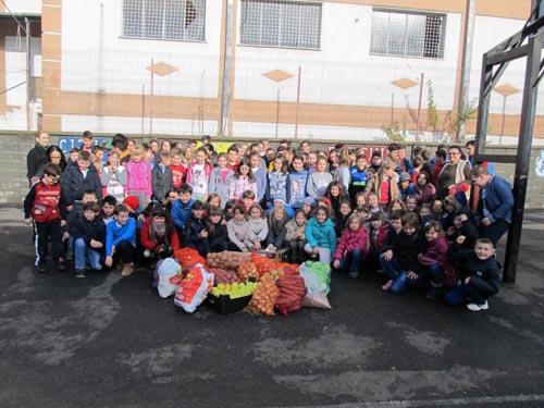 Elevii Școlii nr. 1 din Negrești-Oaș, în vizită la copiii din centrele de plasament