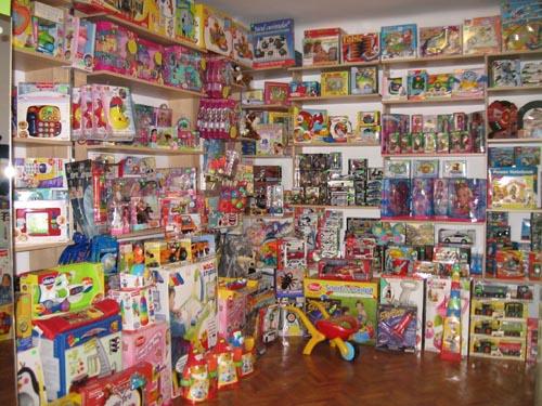 Magazine de jucării, amendate cu 40.000 de lei