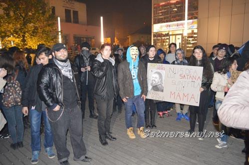 Un protest mai cerebral vineri seara la Satu Mare (Foto&Video)