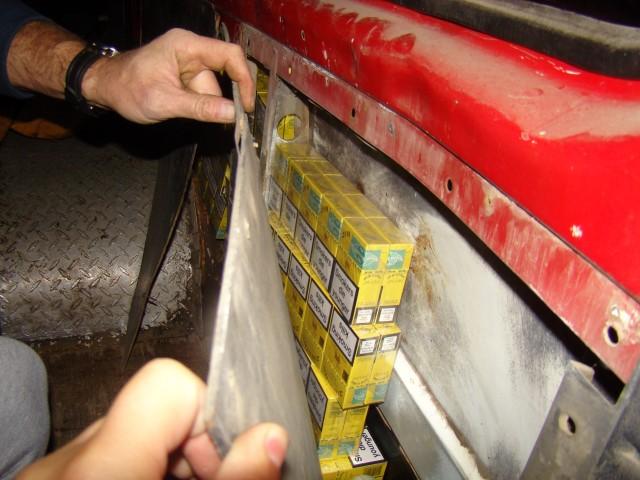 Traficantă de țigări, prinsă în Halmeu