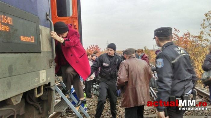 Trenul București Nord – Satu Mare a luat foc (Foto&Video)