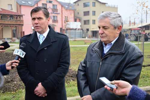 Adrian Ștef și Vasile Mitrașca se opun înființării Centrului de refugiați de la Tășnad