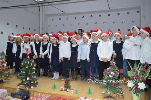 Spectacol de Crăciun la Centrul Școlar pentru Educație Incluzivă