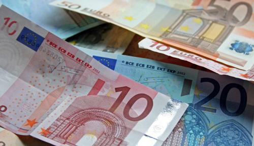 Euro a reînceput să crească
