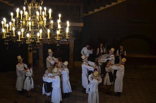 Recital de folclor la Castelul din Carei